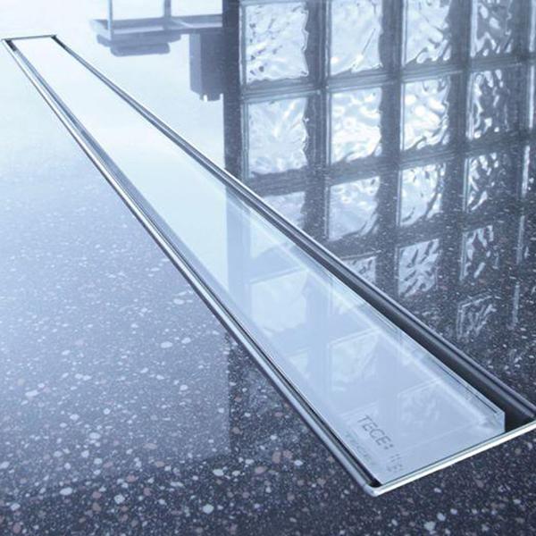 tece-odpływ-szklany
